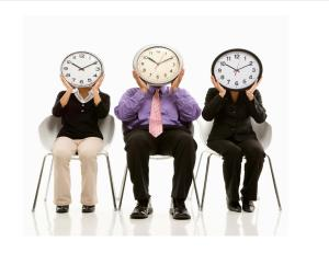 3 people with clocks