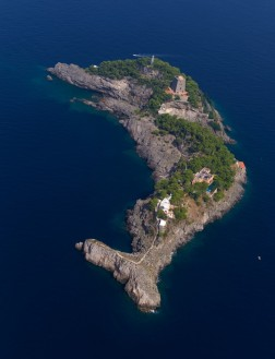 gallo lungo, the dolphin island, italy